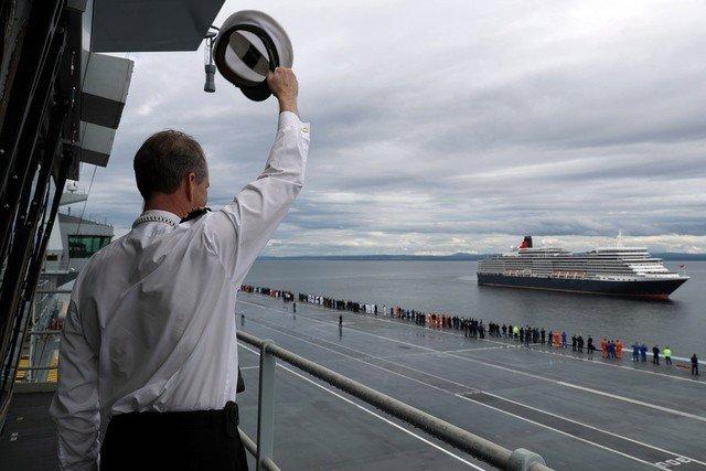 HMS Queen Elizabeth meets RMS Queen Elizabeth